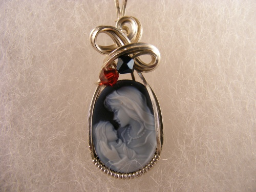 Mothers pendant